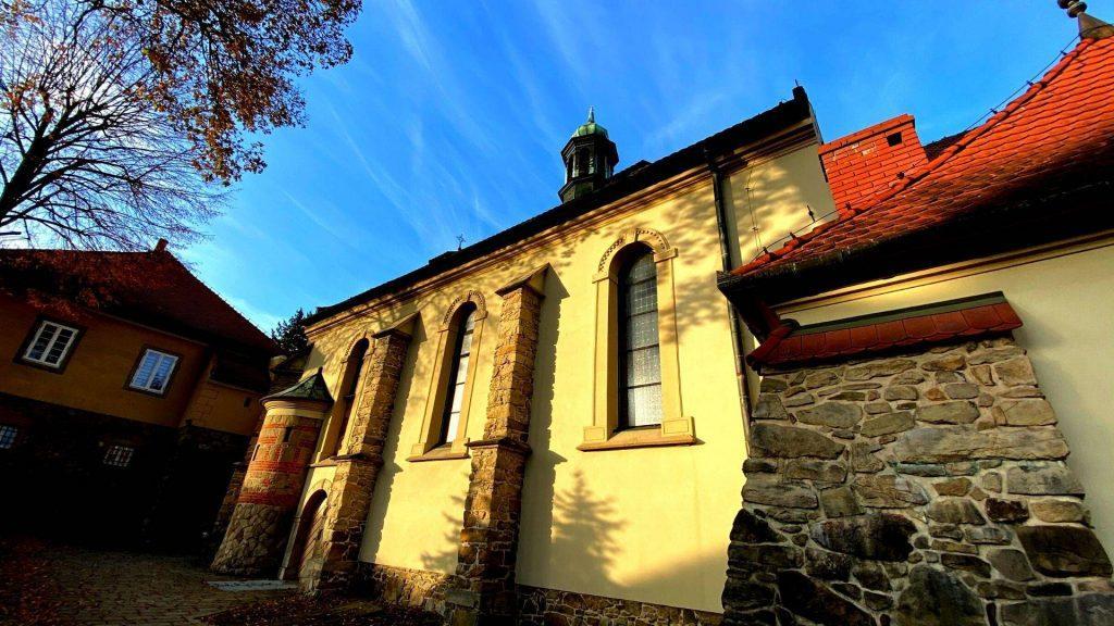 Stary kościół w Suchej